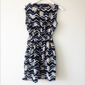 Feathers | Daisy flower dress, Size M